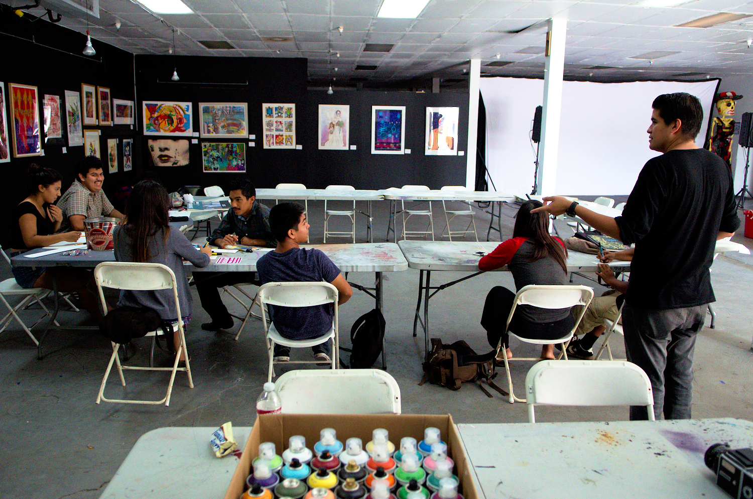 The Self Help Graphics center is also a major and long lasting actor in the printmaking scene. Located downtown, this center actively serves the local Latino community through collective open courses to initiate young and emerging artists.