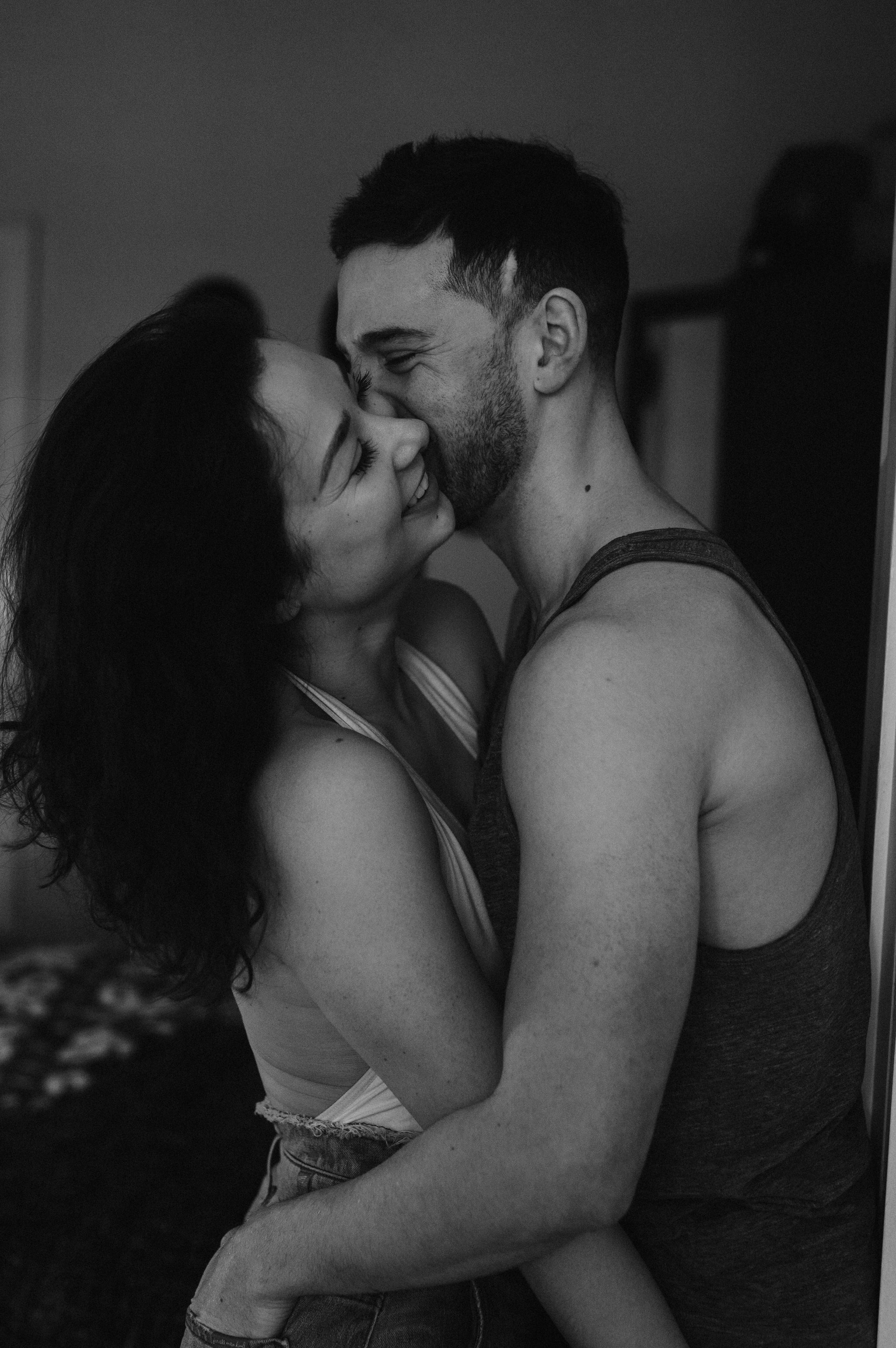 scarletoneillphotography_at home couples session22.JPG