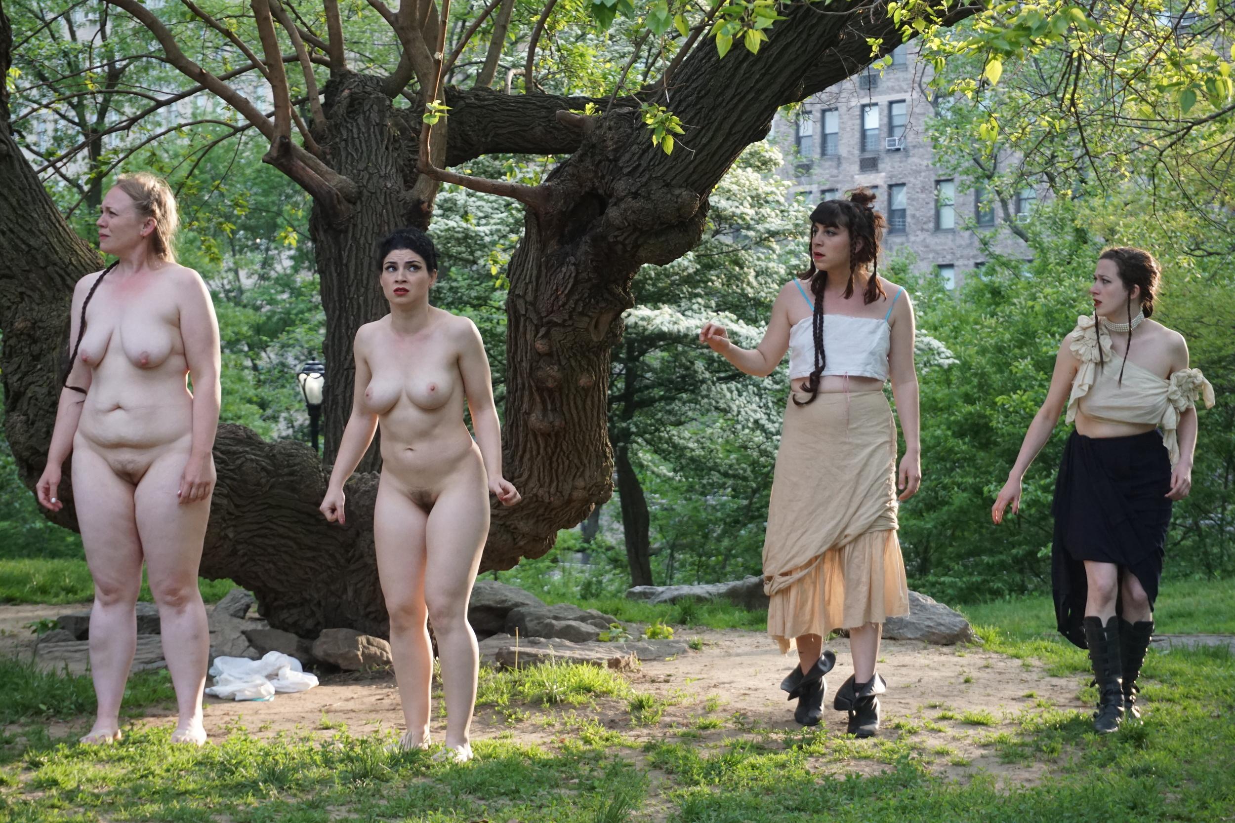 Layne Tisdel Martin, Sarah Sutliff, Suzannah Gratz, and Clara Kundin. Photo by Valerie Pinkerton.