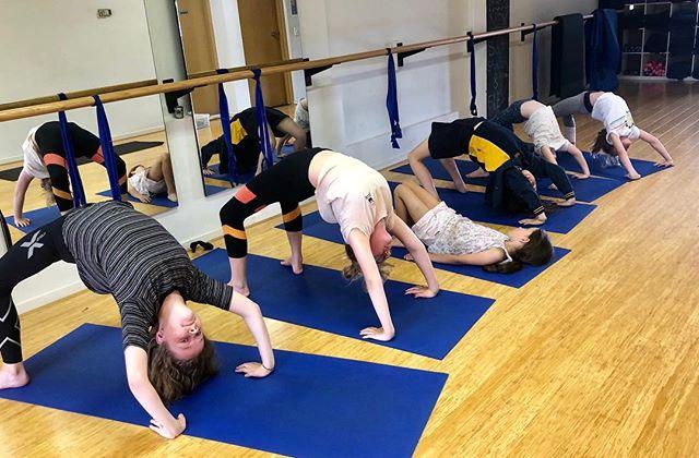 Open hearts at kids yoga this week 💜@sanctuarybeaumaris