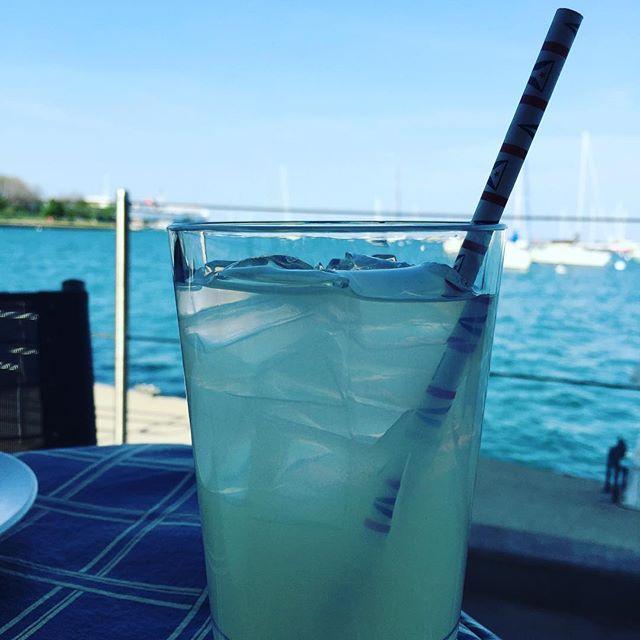 Enjoying a refreshing lemonade at the #chicagoyachtclub complete w/flag straw!