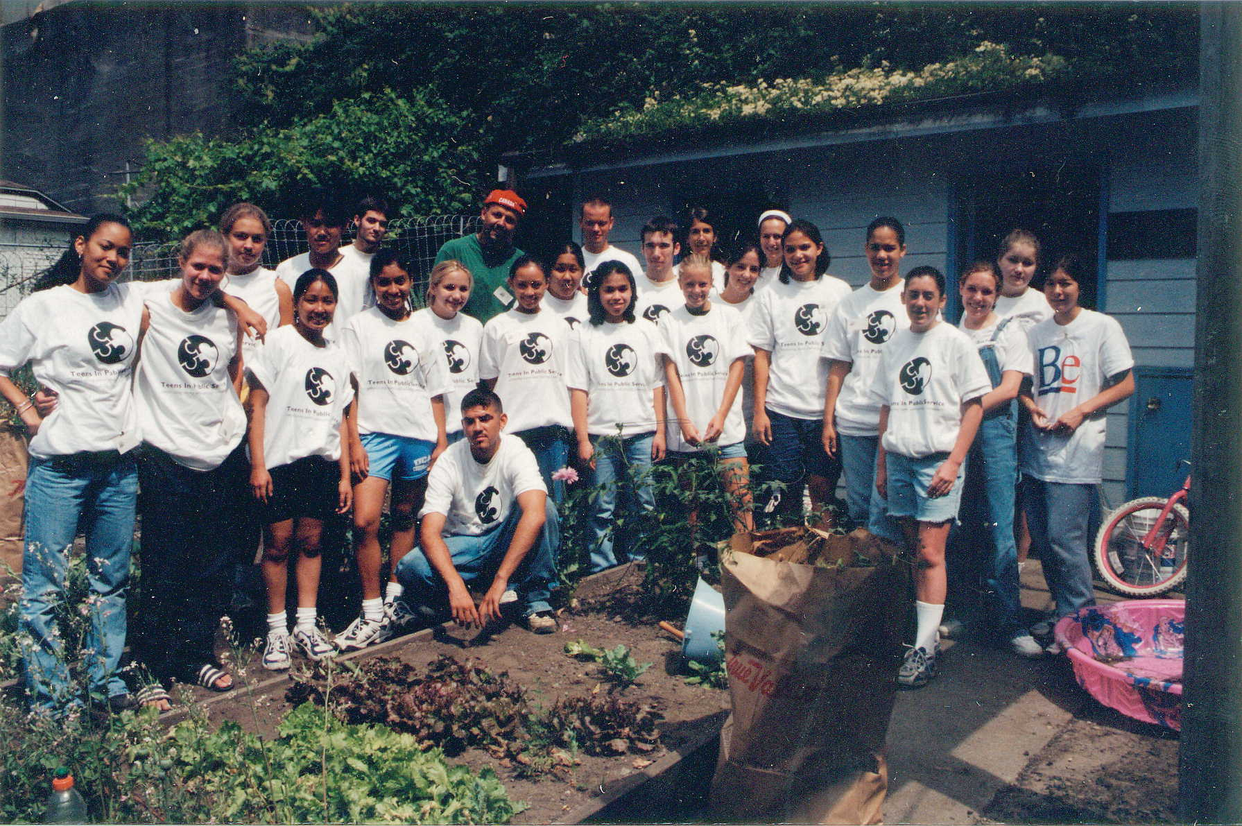 1998 TIPS Teen Interns at the Day of Service