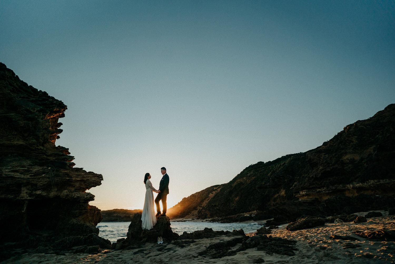 048-melbourne-wedding-bride-and-groom-andrew-hardy-sunset-sorrento.jpg