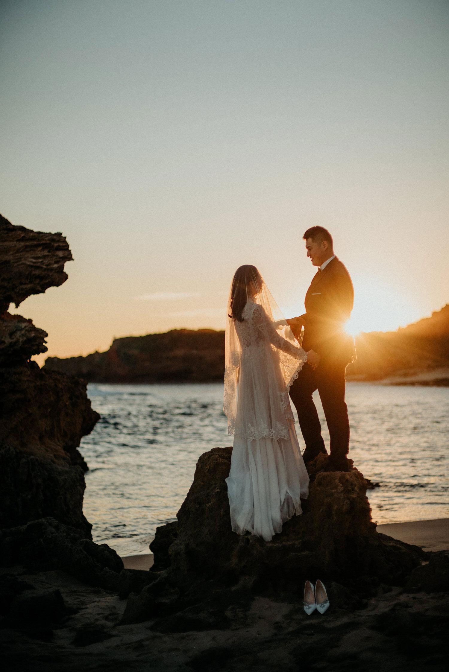 049-melbourne-wedding-bride-and-groom-andrew-hardy-sunset-sorrento.jpg