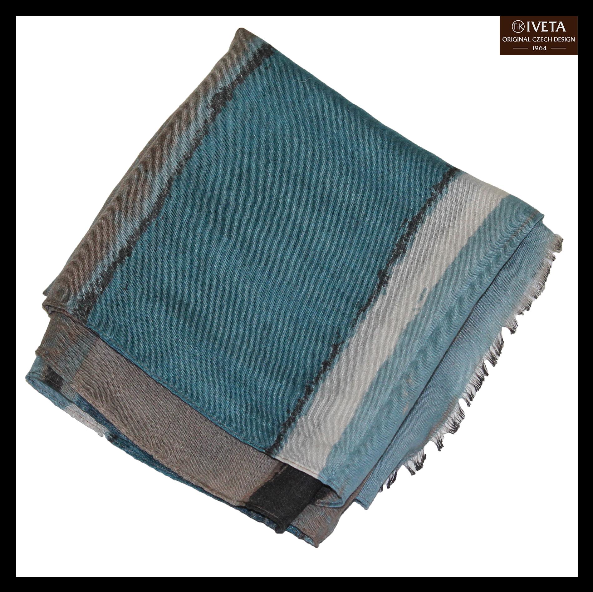 Blue-white-brown-scarf-zoom.jpg