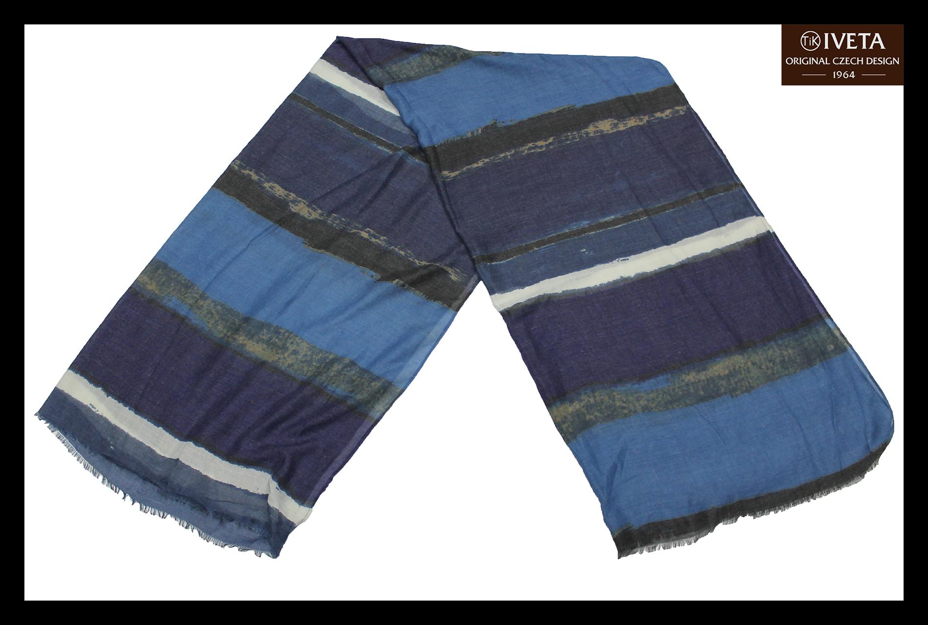 Blue-darkblue-scarf-fold.jpg