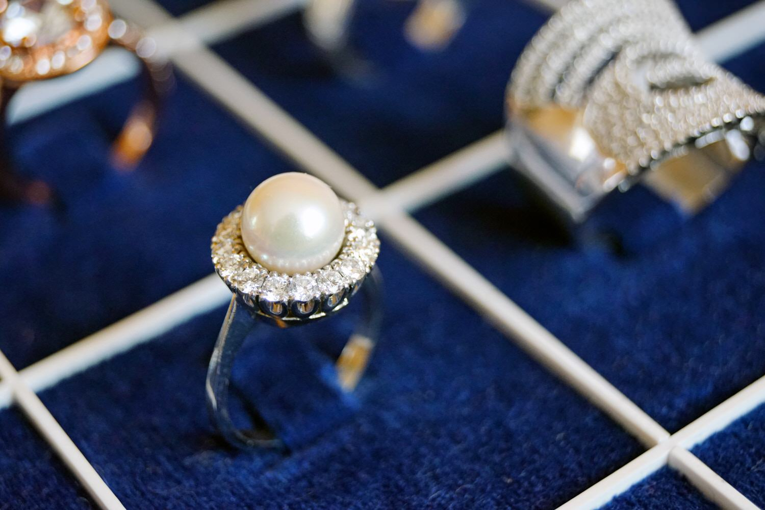 Classic style pearl jewellery