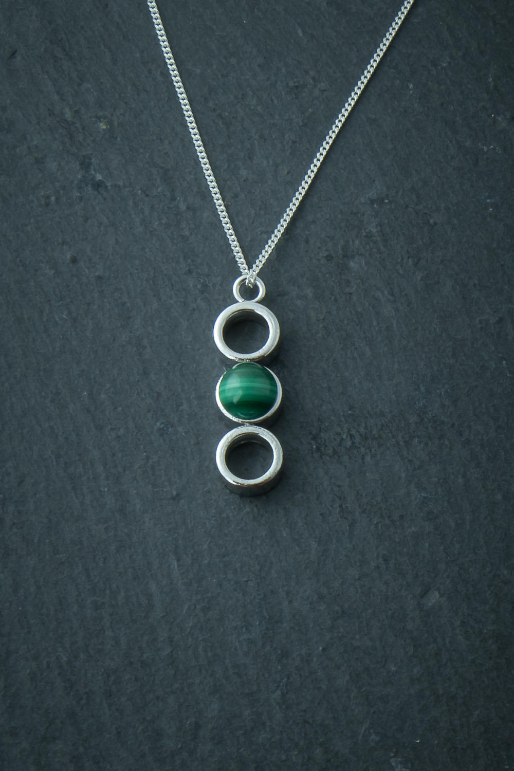Silver necklace with malachite