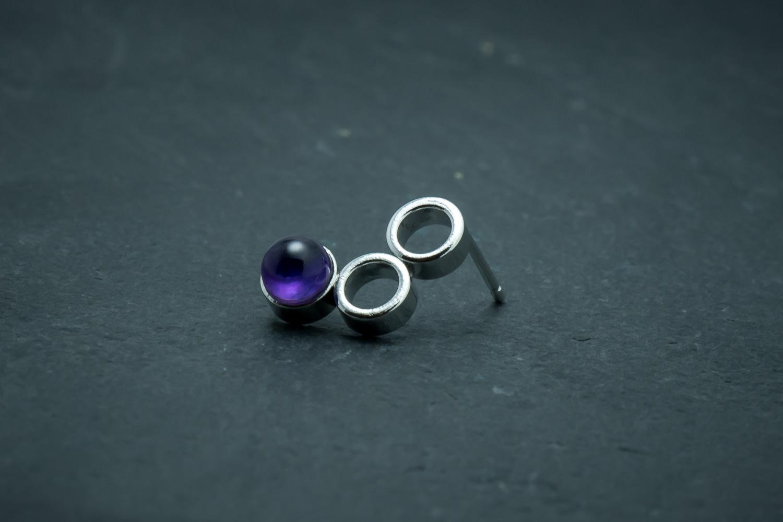 Silver bike chain earrings with amethyst