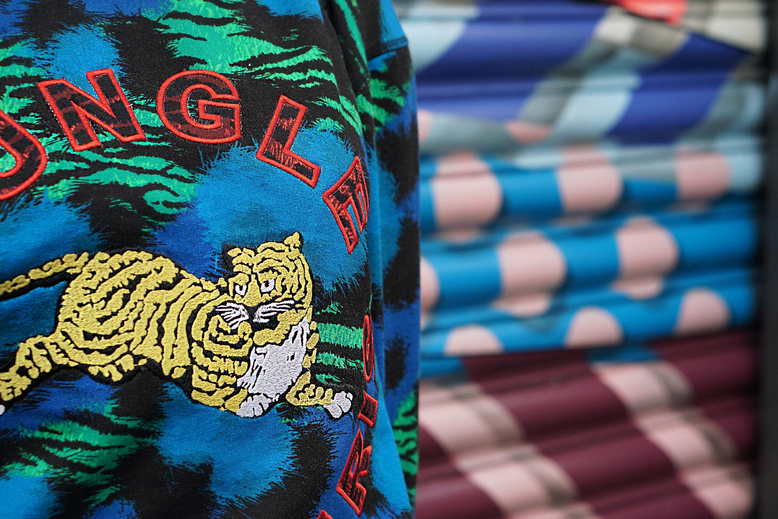 Vikkipedia-Welcome-To-The-Jungle-Part2-Sweatshirt-2-3x2.jpg