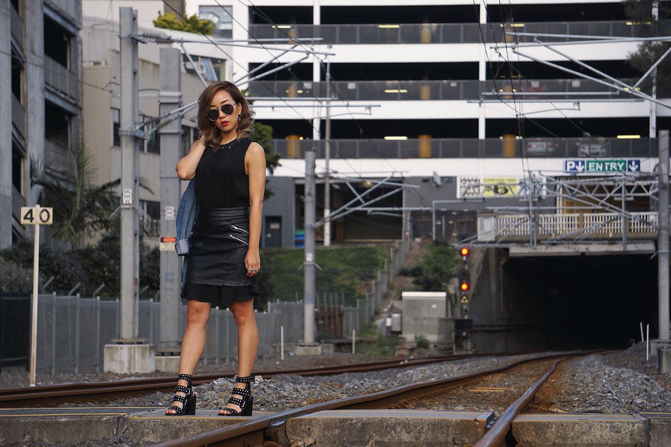 Vikkipedia-This-Is-April-Vol2-Img24-Black-Dress-B-3x2.jpg