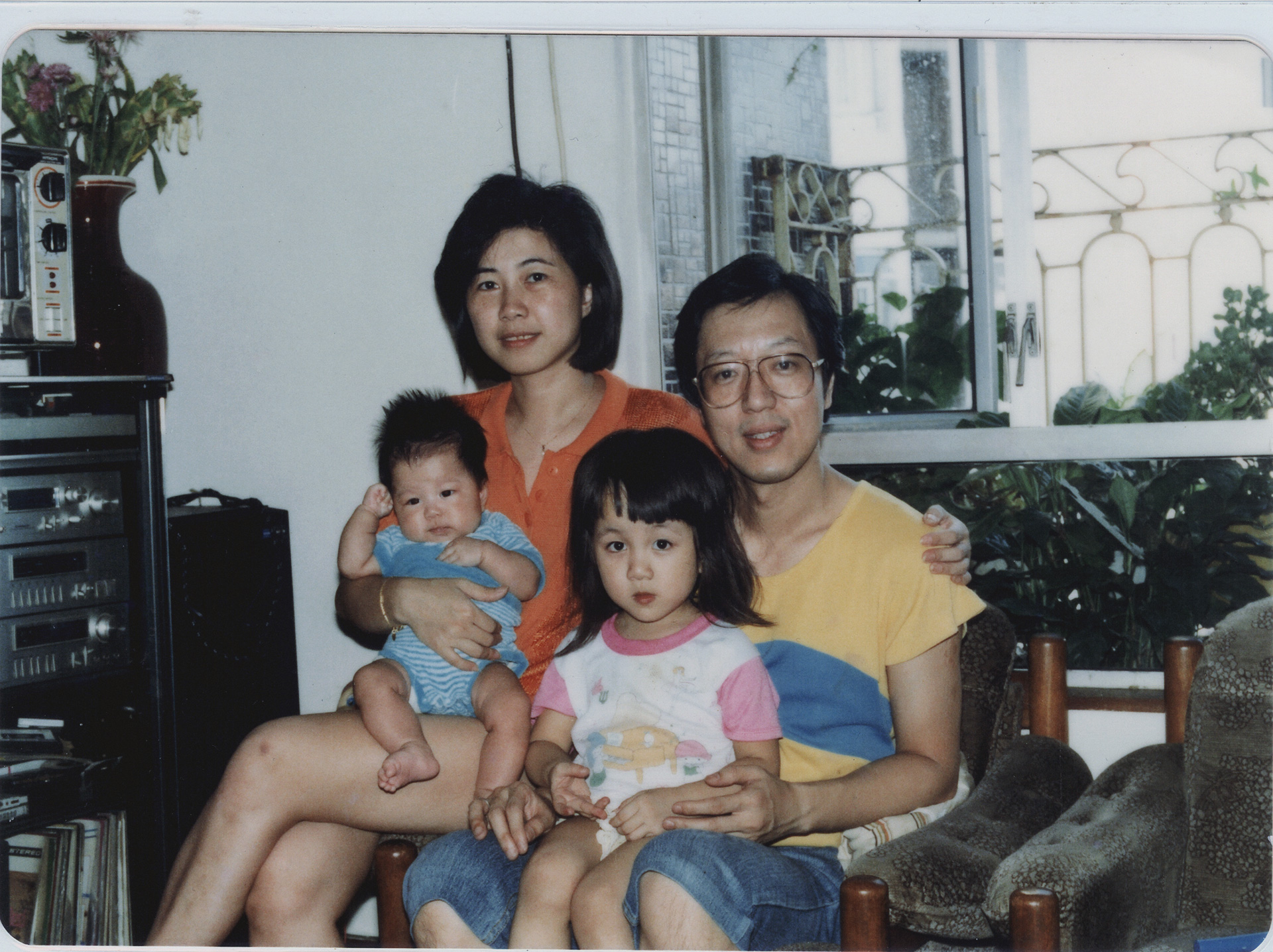 Vikkipedia-GreyHair-Img20-Family1.jpg