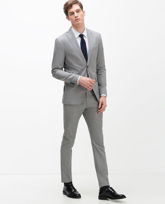Zara  Blazer de costume structuré69,95€ / pantalon 39,95€