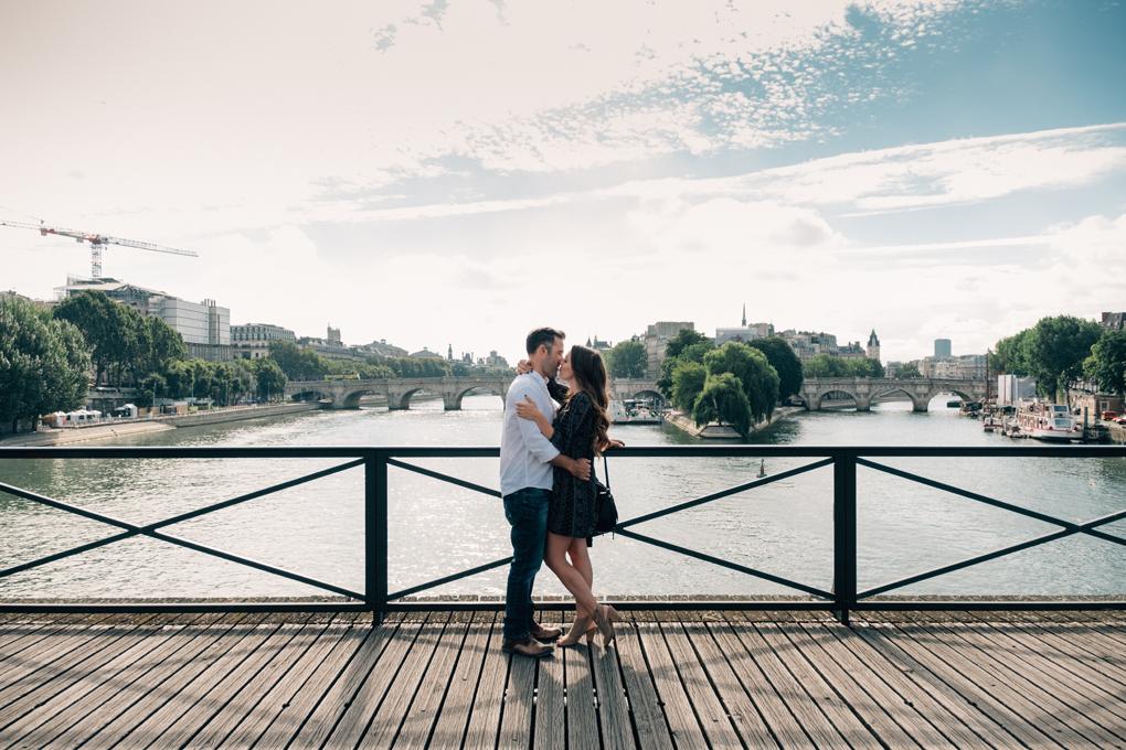 pierreatelier-photographer-lifestyle-paris-elopement-wedding-056.jpg