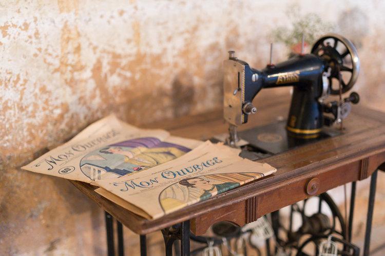 blog-mariage-parisian-inspiredFannyTiaraPhotographie-Mariage-Provence-ChateauBeauchene-Lauredesagazan-ParisianInspired-54.jpg