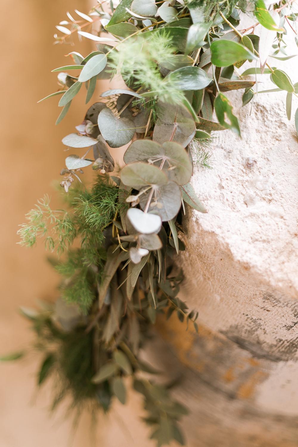 parisian-inspired-blog-mariage-shooting-inspiration-vegetal-abbaye-trois-fontaines-marne-cg-photographie-13.jpg