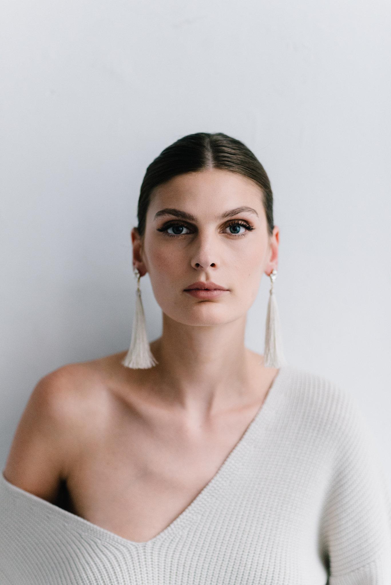 parisian-inspired-blog-mariagemaisonsabben-accessoires-mariee-boucles-oreilles-origine-5.jpg