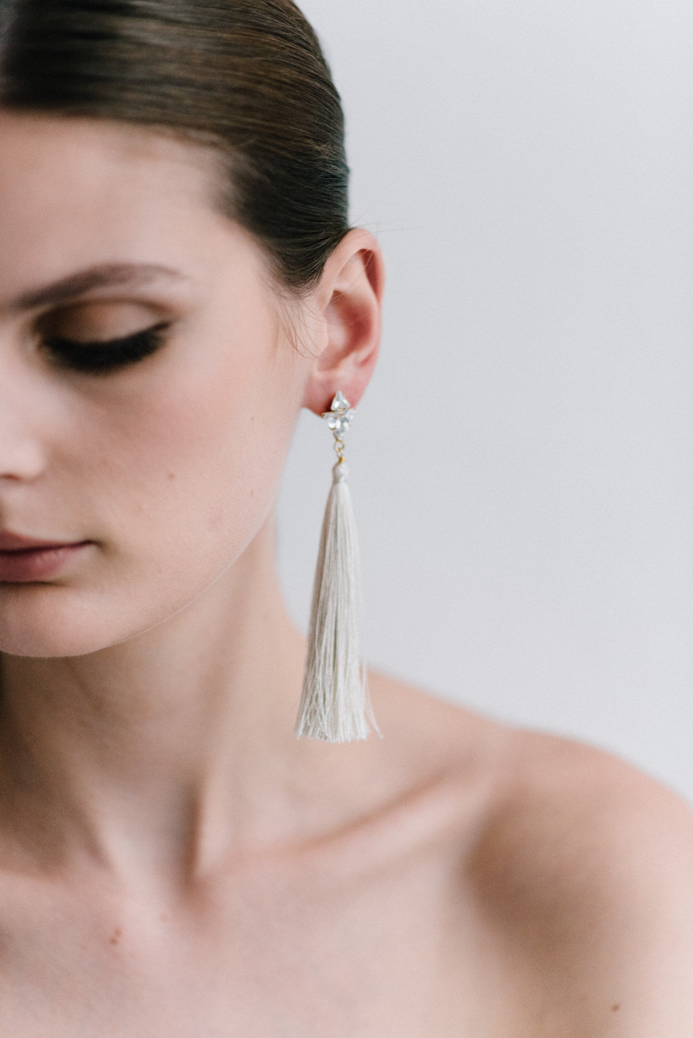 parisian-inspired-blog-mariagemaisonsabben-accessoires-mariee-boucles-oreilles-origine-1.jpg