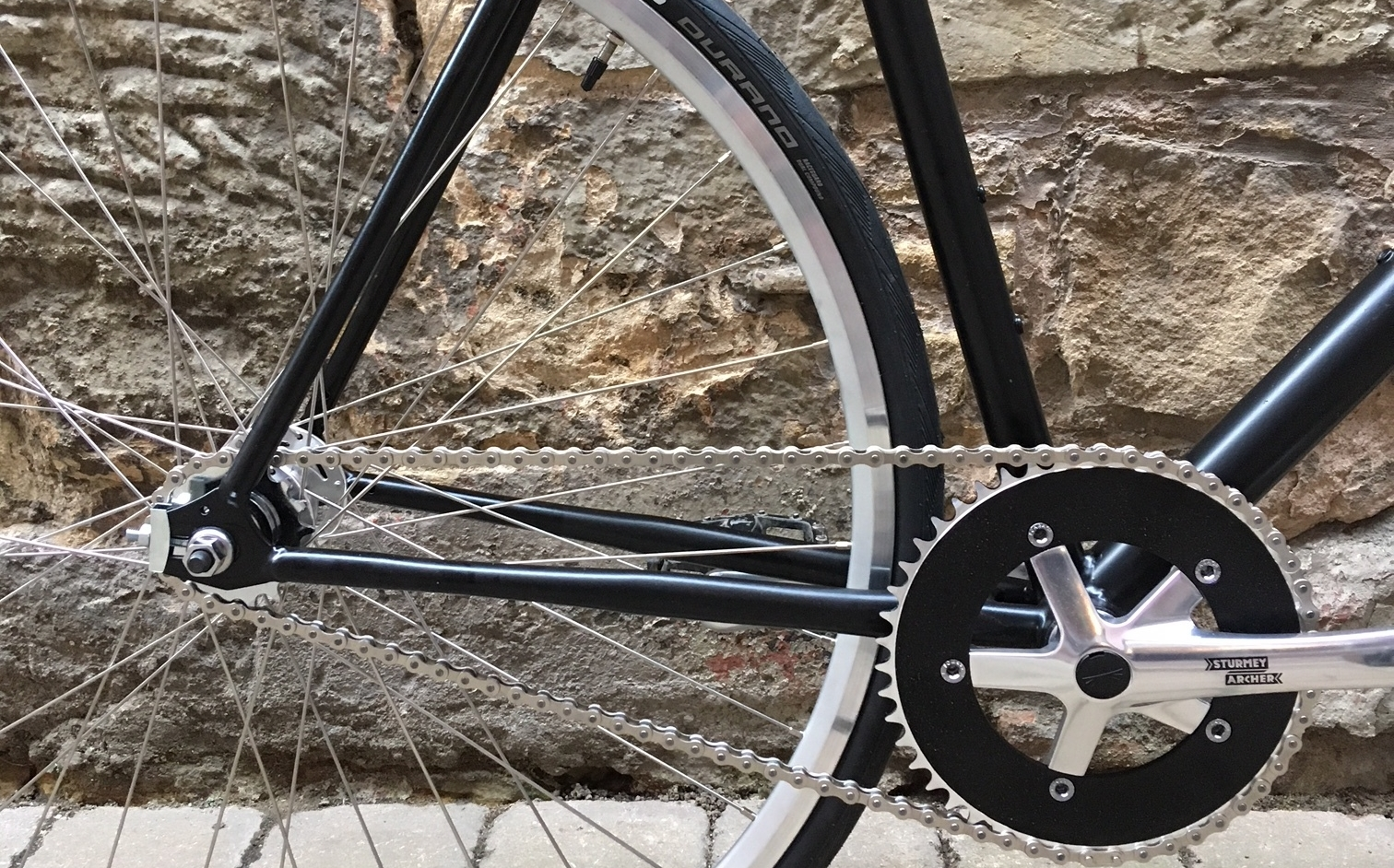 The new drivetrain plus detail of the brand new wheels and Schwalbe Durano tyres