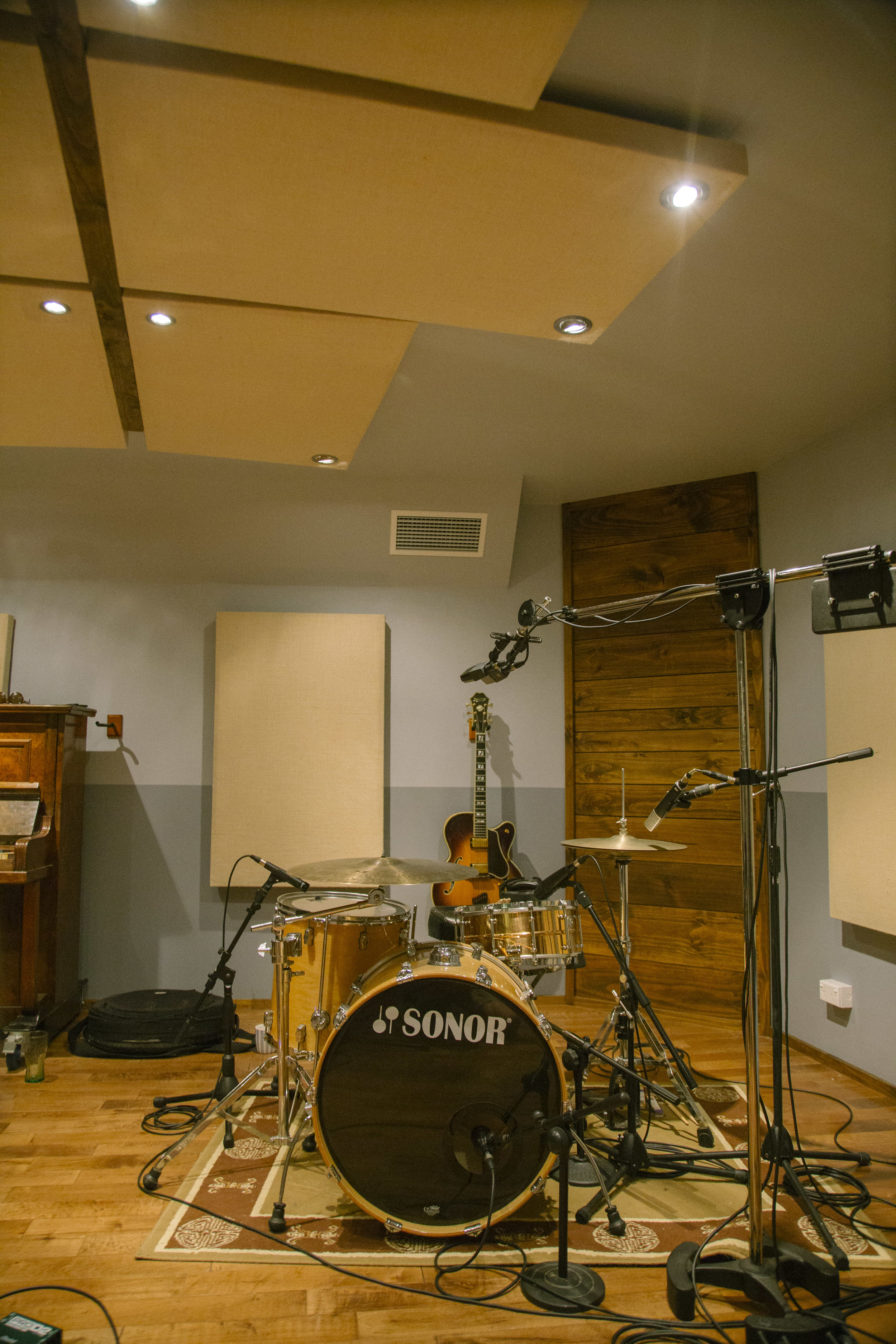 Live Room 2