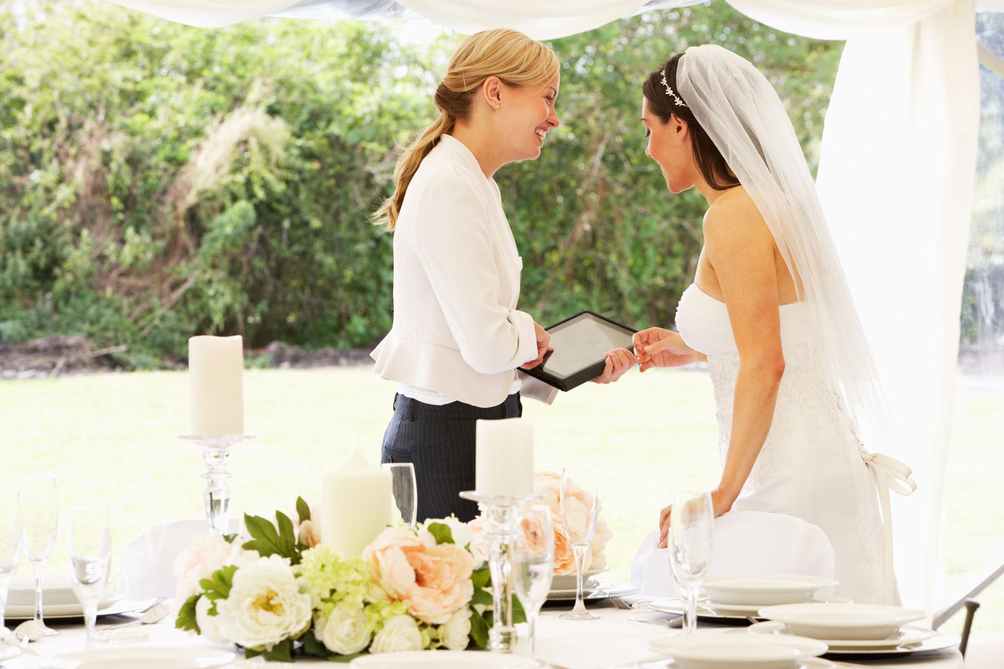 Wedding Details NOT to DIY // Toledo Wedding Guide