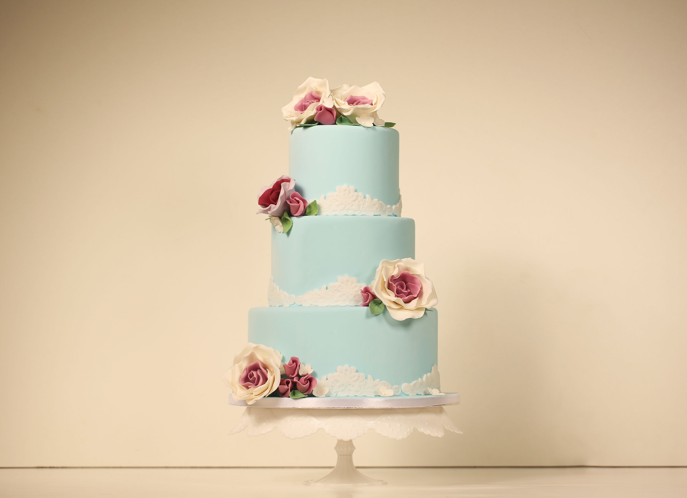 10 Questions to Ask Before Hiring Your Wedding Cake Designer - Toledo Wedding Guide