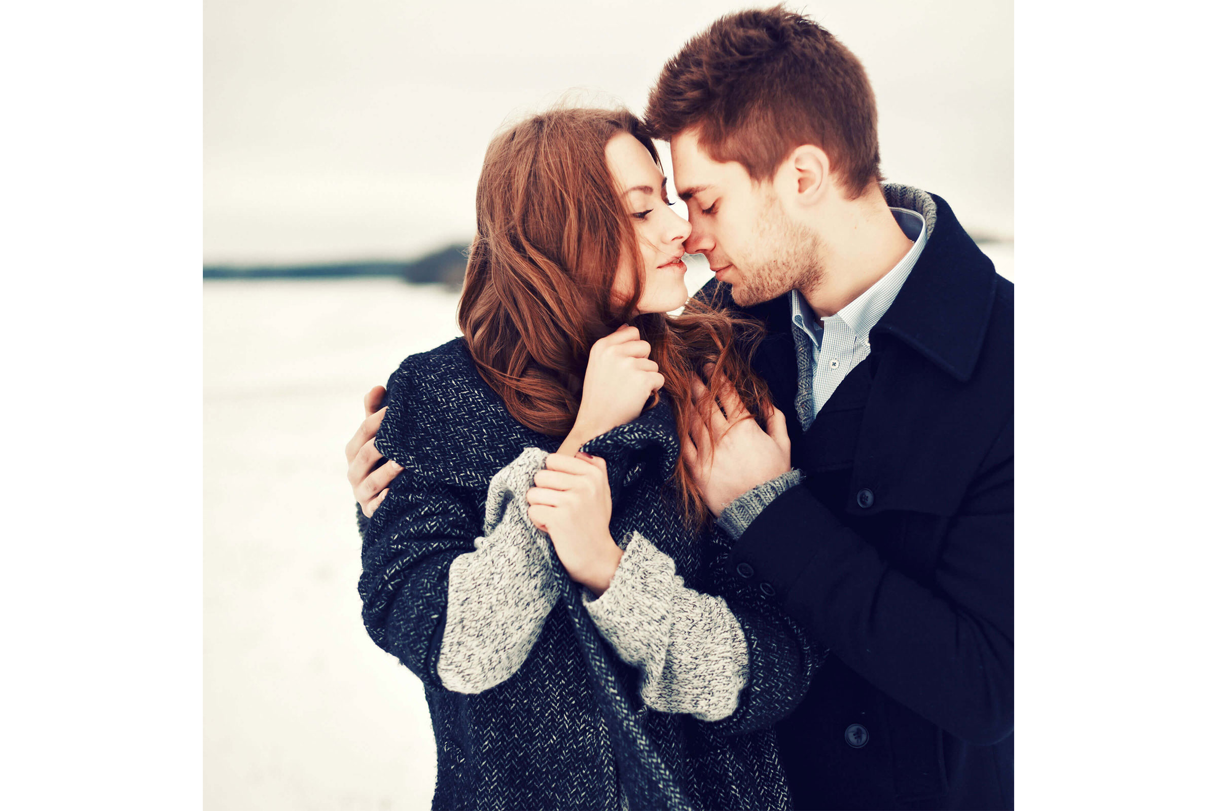 Winter-Engagement-Photos-Outfitting-for-the-Occasion-Toledo-Wedding-Guide-5.jpg