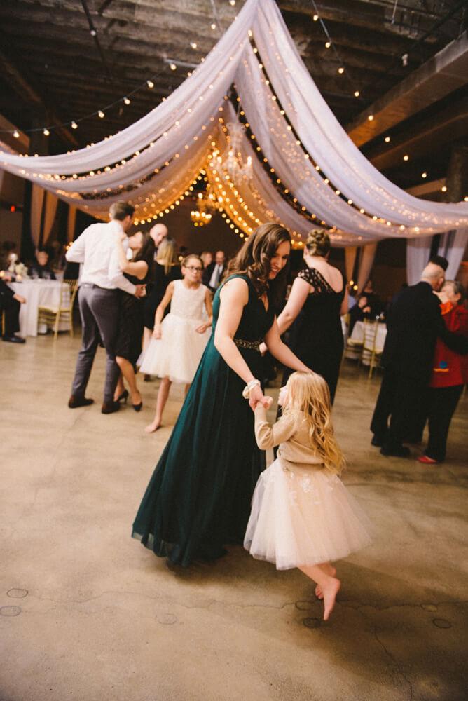 registry bistro toledo wedding photography_049.jpg