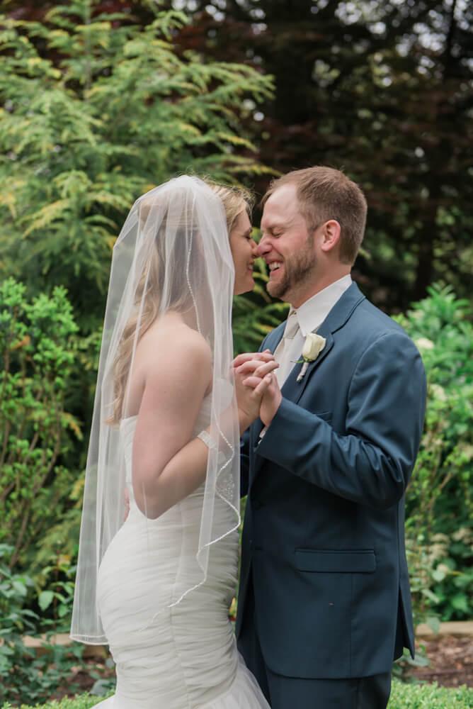Heather downs country club wedding photos_26.jpg