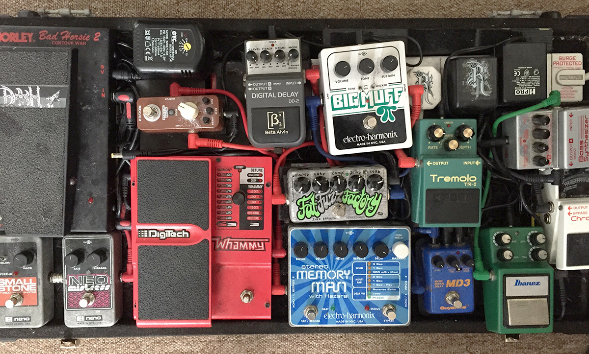 tremelo pedals, digitech, neo digital delay memory man MD3 Big Muff small stone guitar pedals for Burntaxe brighton