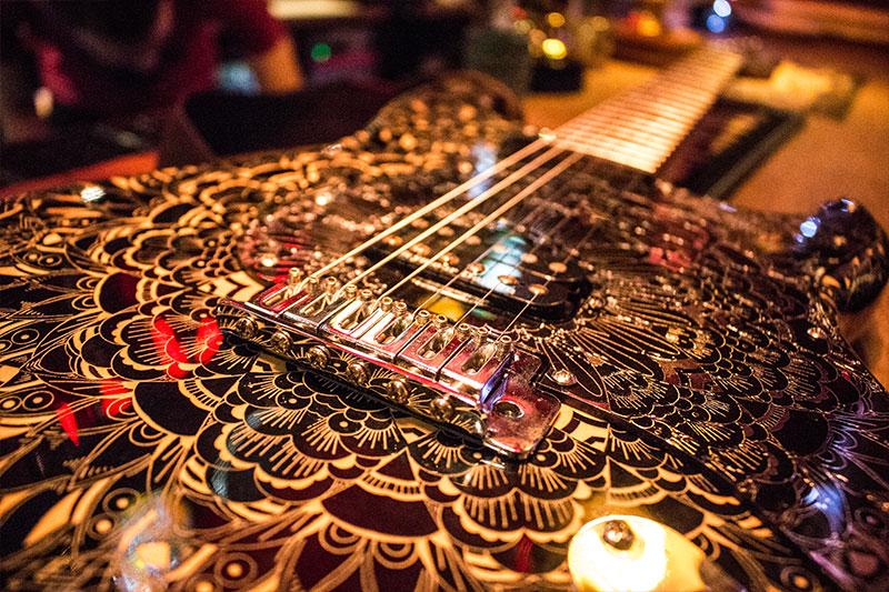 Burntaxe_Laser_Cut_Guitar_Mirror_Pickguard_Stratocaster_Brighton_UK_Setup.jpg