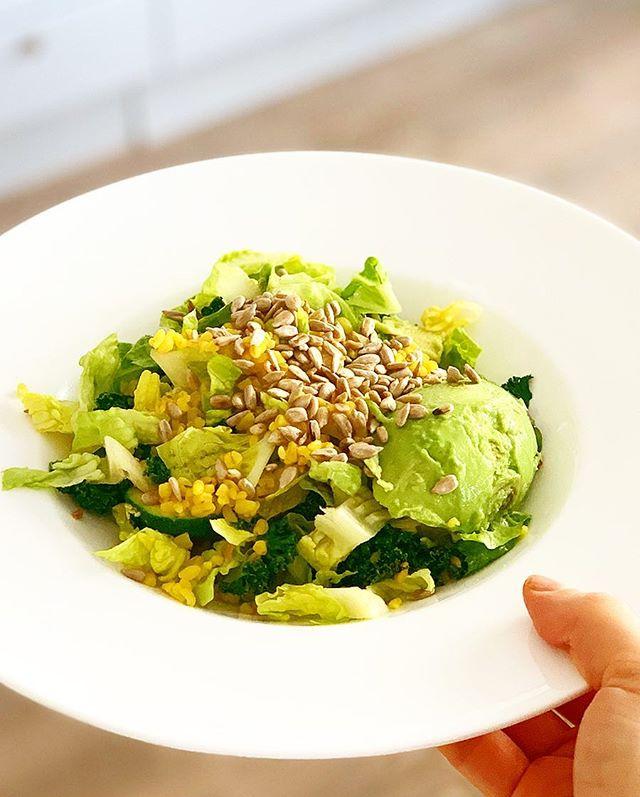 Saffron bulgur salad- fast & delicious! 🥗💛 Add some avocado, cabbage, fried kale, sunflower seeds & toss with a garlic/mustard dressing. Thats what I'm having for lunch today! . . . #salad#vegansalad#lunch#fastanddelicious#salad#whatsforlunch#EatingForTheInsta#instavegan#veganfoodshare#veganism#veganeats#bestofvegan#veganfoodlover#plantbased#instafood#vegetarianrecipes#vegetarianfoodshare#plantbasedfood#vegetariancooking#vegan#matblogg#vegomat#proteinskiftet#vegetariskt#healthyfood