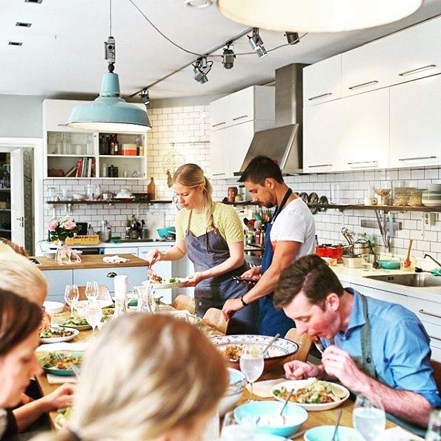 Välkommen till GreenIsaDreams nya företagskonto! @greenisadreamcooking kommer hädanefter vara på svenska, där vi sprider tips på hur du lyckas med att laga vegetariskt och postar bilder från våra matlagningskurser & på alla läckra maträtter vi lagar 💚🌸