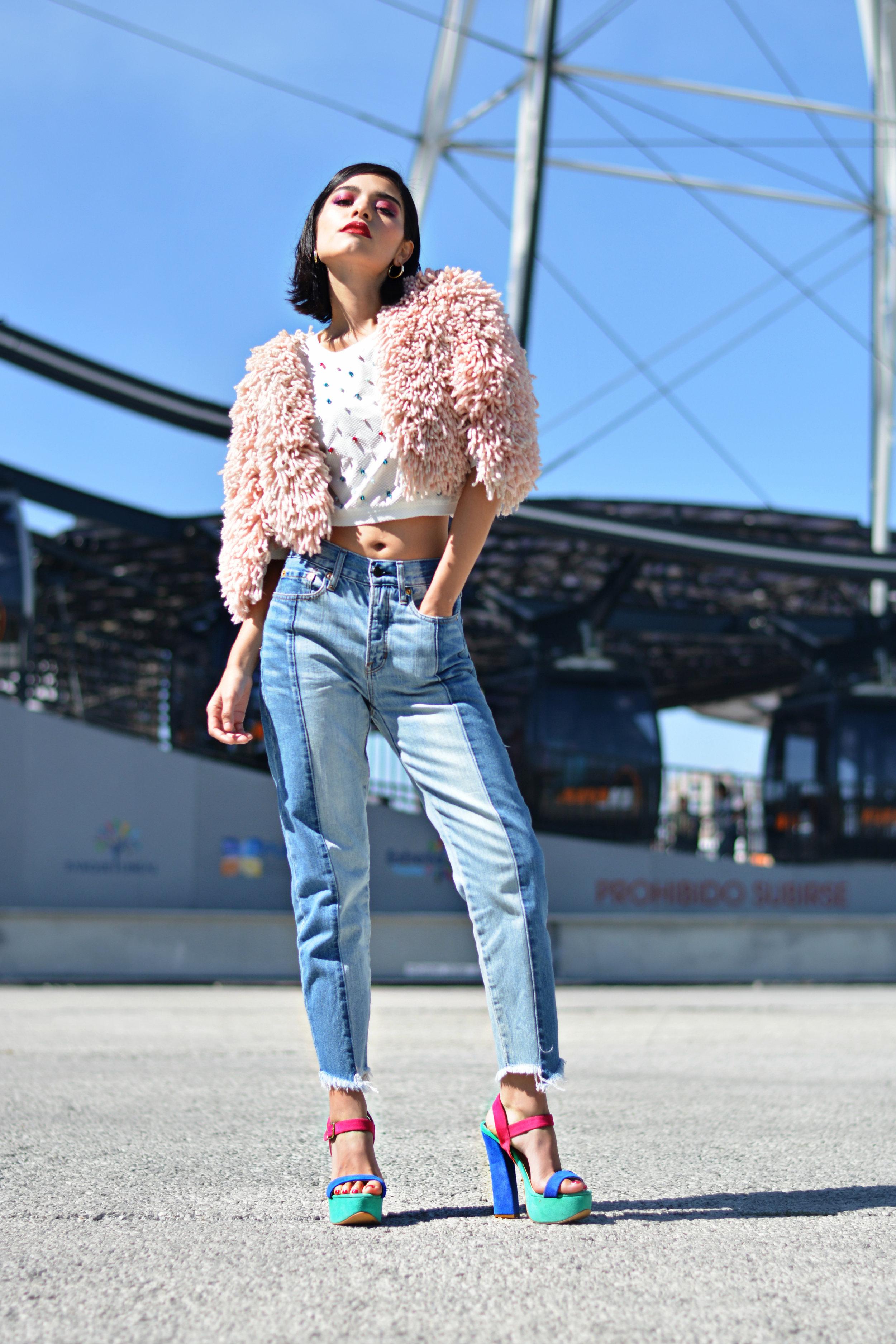 Total Look  Fur Coat: Regina Polin  Top: David Romero Brand  Jeans: American Eagle  Heels: Brantano