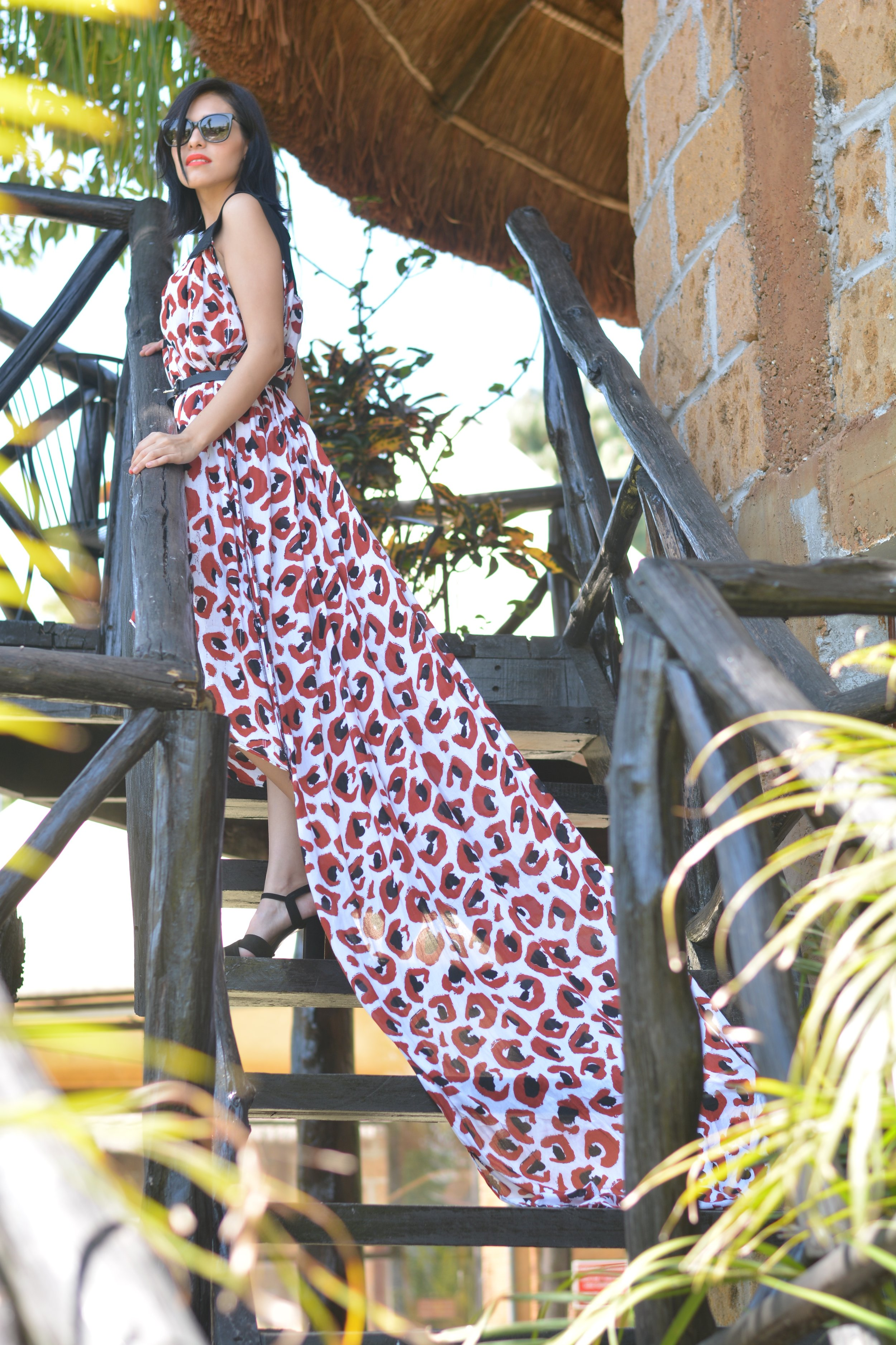 DRESS: SEBASTIAN GASPAR