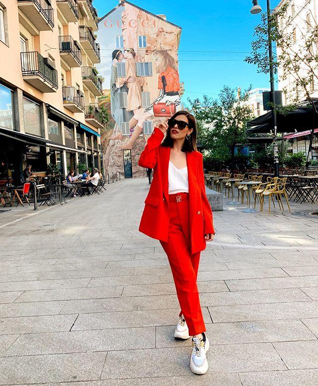 Happy to be here!� Muchos días de aprendizaje con @globalfashiontravels ✨Nunca es tarde para hacer realidad nuestros sueños💘 Les estaré compartiendo un poquito de mi viaje en mi stories.🤩 Stay tuned! #stradagoestomilano . . . . . . #stradablogmx #milano #milano🇮🇹 #streetstylemilan #streetstyleph #fashioncontent #milan #imageconsulting #styleblogger #sundaylook #womansuit #milanstyle #fashionstylist #tipsdemoda