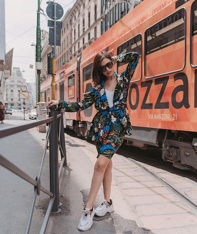 #StradaLooks ✨Conjuntitos hermosos no se vayan nunca � Los biker short o cycling son una de mis tendencias favoritas de este 2019.💖¿Los aman o los odian?😈 #stradablogmx #stradilooks . . . Outfit @stradivarius . . #stradagoestomilano #mondayoutfit #fashiontrends2019 #bloggerpoblana #milanostreetstyle #streetstylemilan #stradivarius #whattoweartowork #streetstyleph #fashionstylistlife #fashioncontent #stylingtips #tipsdemoda #personalstyleblog