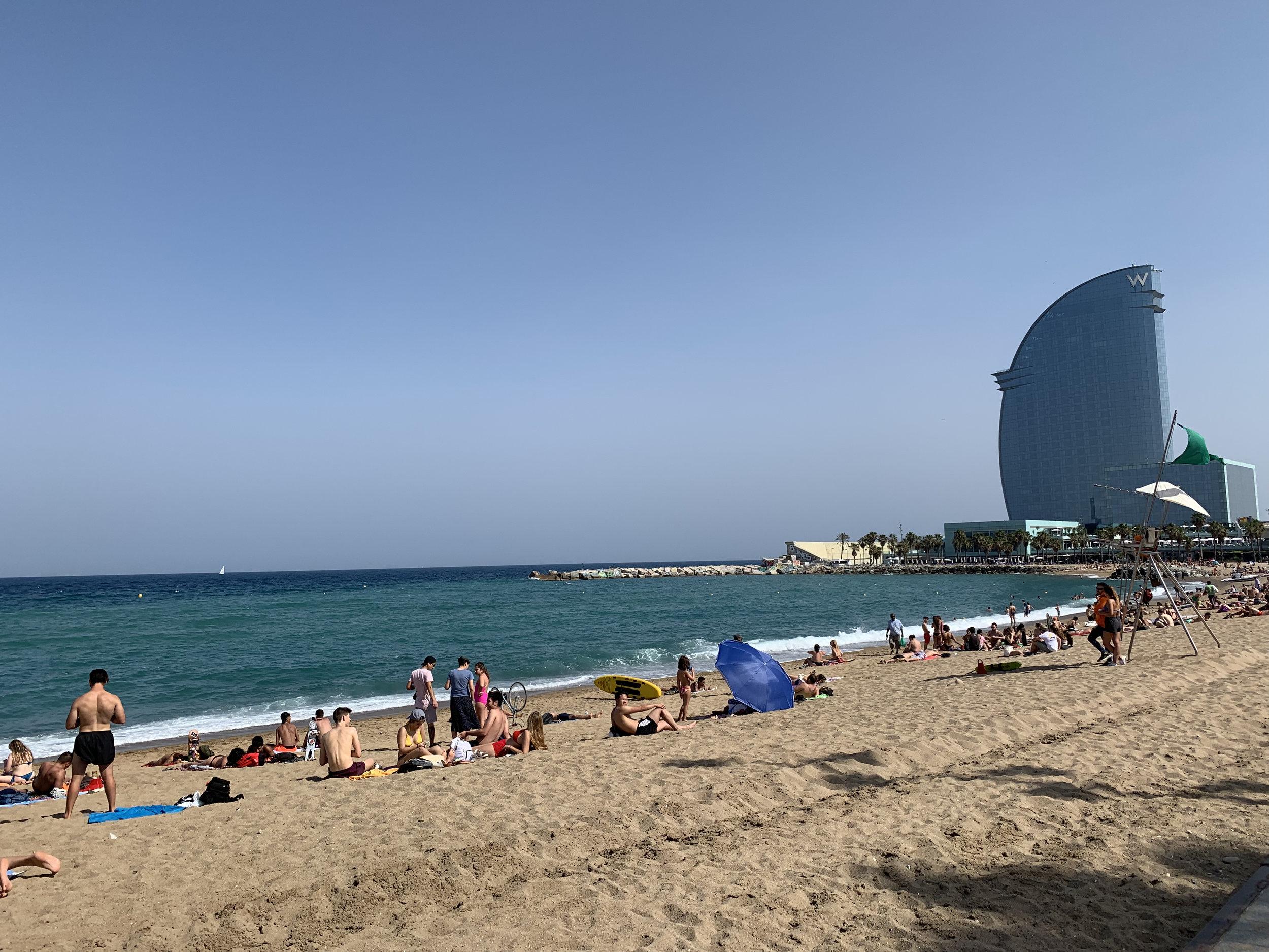 - Playa De La Barceloneta