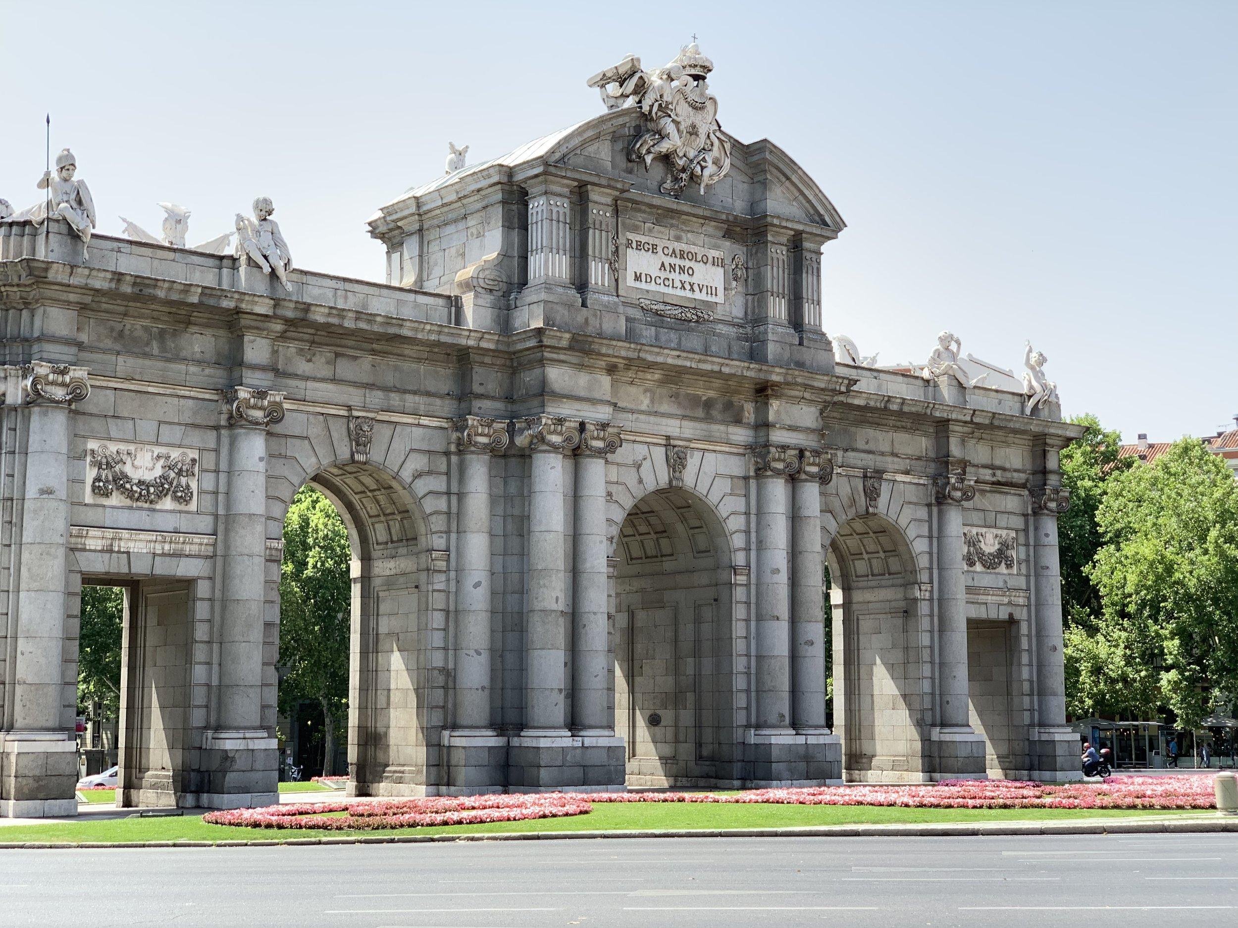 La Puerta De Alcalá - Madrid