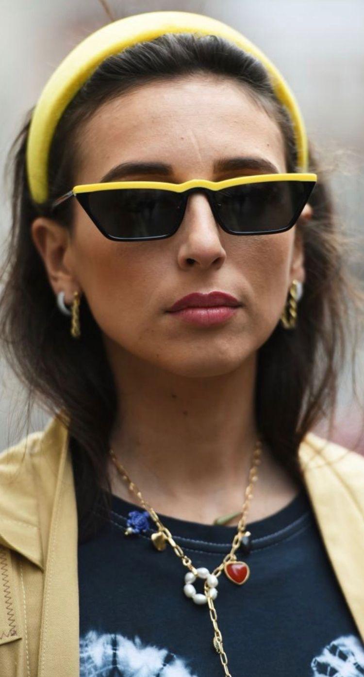 - Accesoriza al 100 tu look.Gafas + pendientes + collar. #moreismore