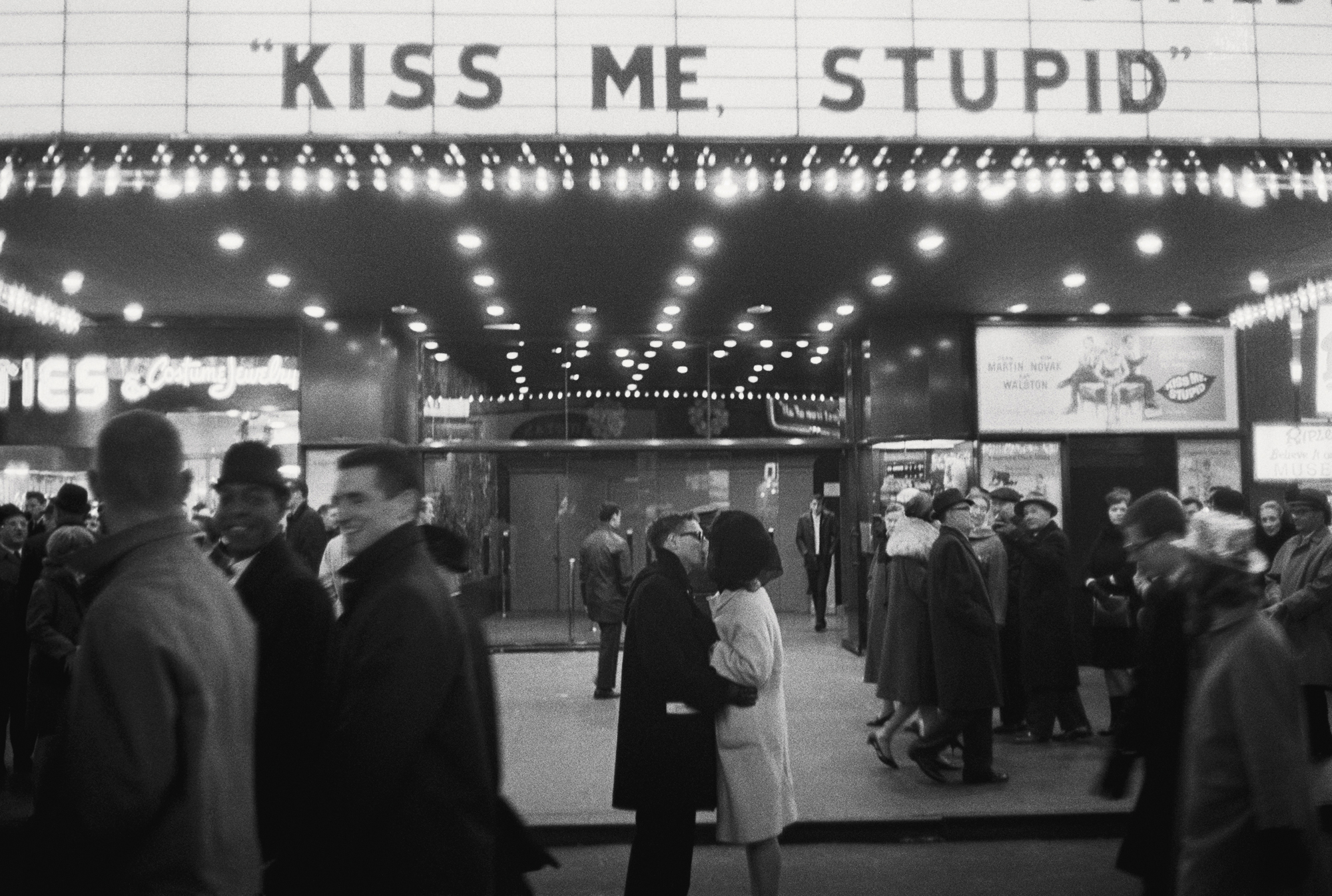 NewYork City,  1964. Courtesy and Copyright of Joel Meyerowitz