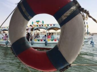 Barques sur le Nil entre Louxor et Assouan.      ©    A. L.