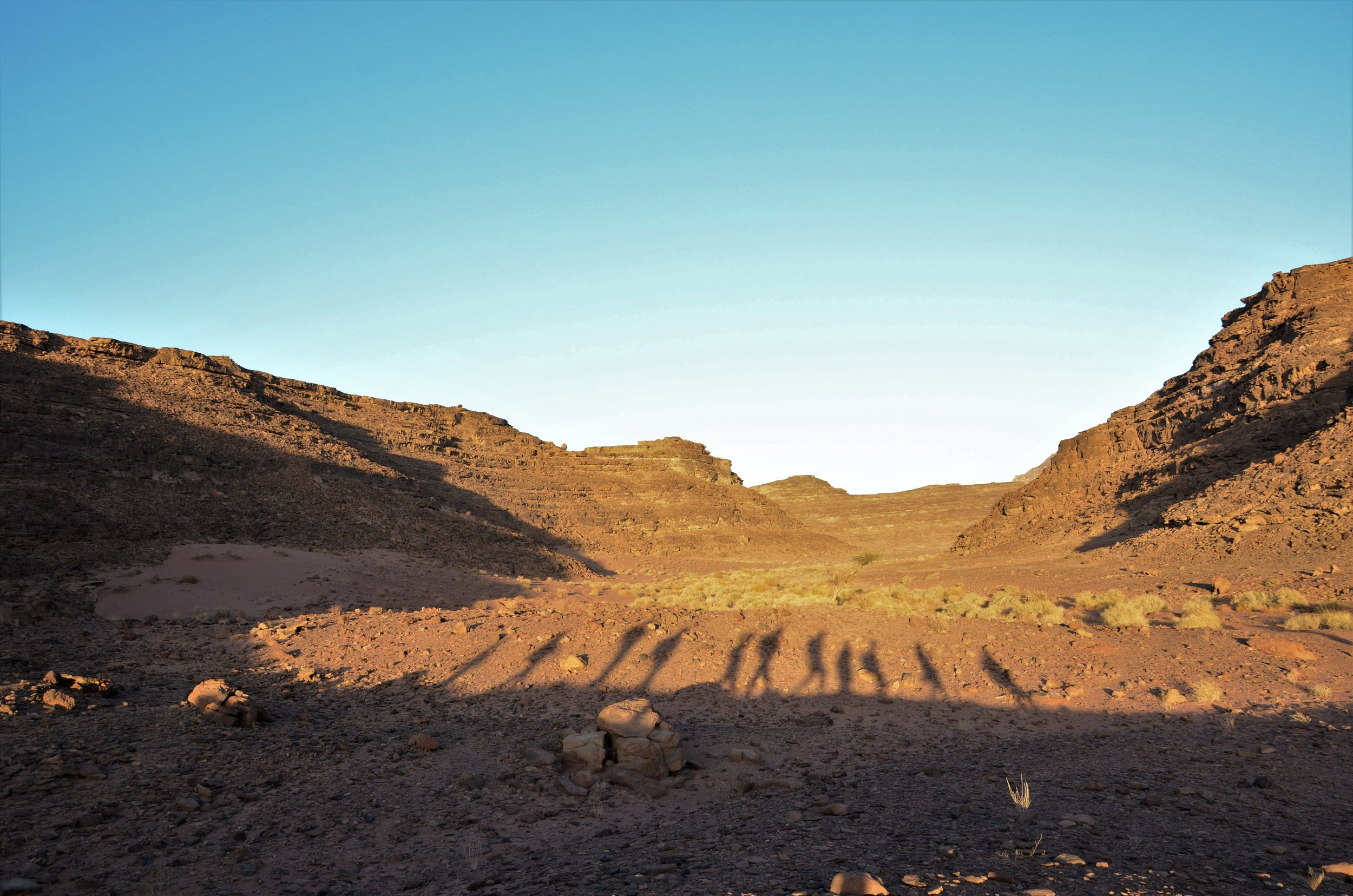 """Sinaï: sur les pas des bédouins - Sinai Trail, ou Darb Sina en arabe, c'est le nom """"meilleure"""" randonnée du monde selon BGTW et la plus longue d'Égypte. 550km au sud de la péninsule du Sinaï, entièrement tracée et organisée par 8 tribus bédouines. Reportage pour l'émission """"Carnets du monde"""", radio Europe 1."""
