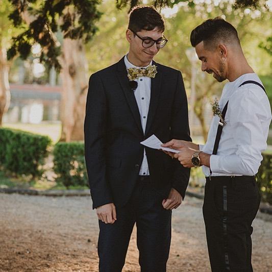 The vows, the personalization that every wedding need! . . . Photo: @onceuponatime.lovestories |  Weddding Planning: @catiasilva_weddings Styling : @catiasilva_weddings @vaniasacramento | Floral Design: @saudadeflores |  Estacionário: @vaniasacramento |videographer: @vitorgordo_photography | Venue: Montes Claros  #alternativeweddings #portugalweddings #casamentoalternativo #casamento #noiva #portugalalternativewedding #styling #decoration #wedding #weddingplanning #portugalweddingplanners #portugalweddingplanner #rebelbride #bride #noivaalternativa #destinationwedding #portugalelopement #portugalweddings  #weddingportugal #weddinginportugal #adventureweddings #outstandingweddings #emotionalweddings #casaremportugal