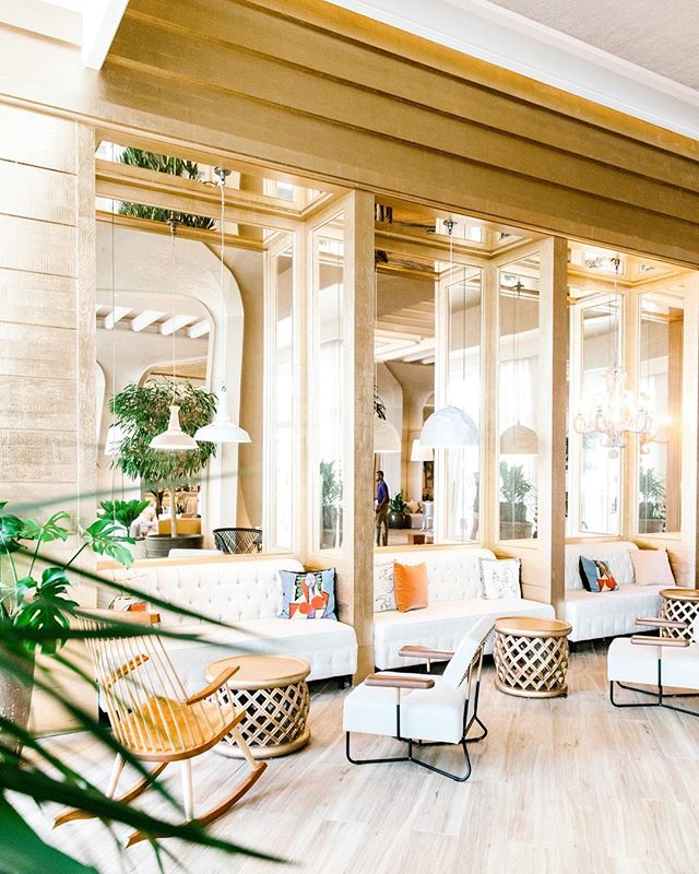 The dreamiest hotel lobby there ever was. @bahamarresorts