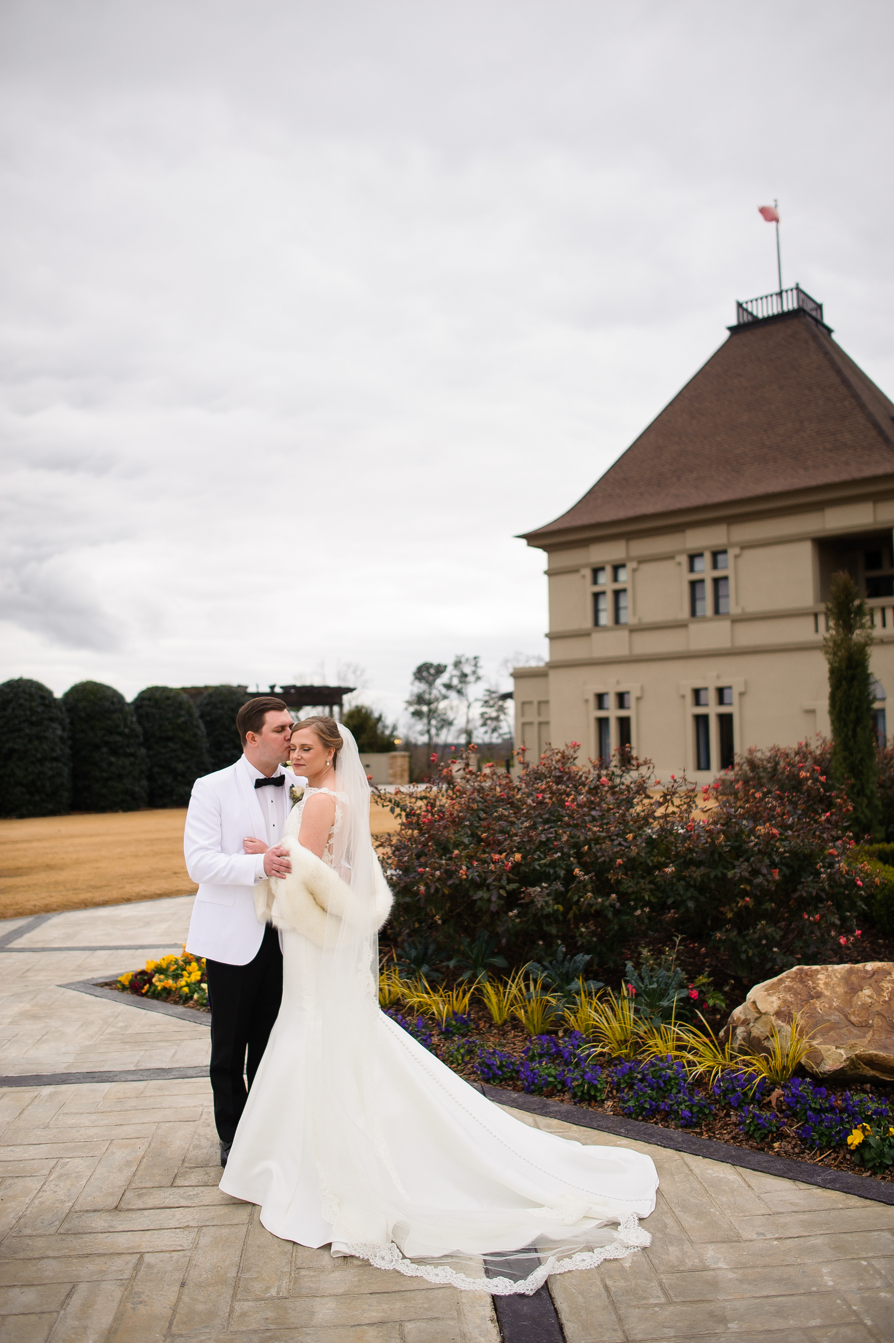 grand elegant winter vineyard wedding14.jpg