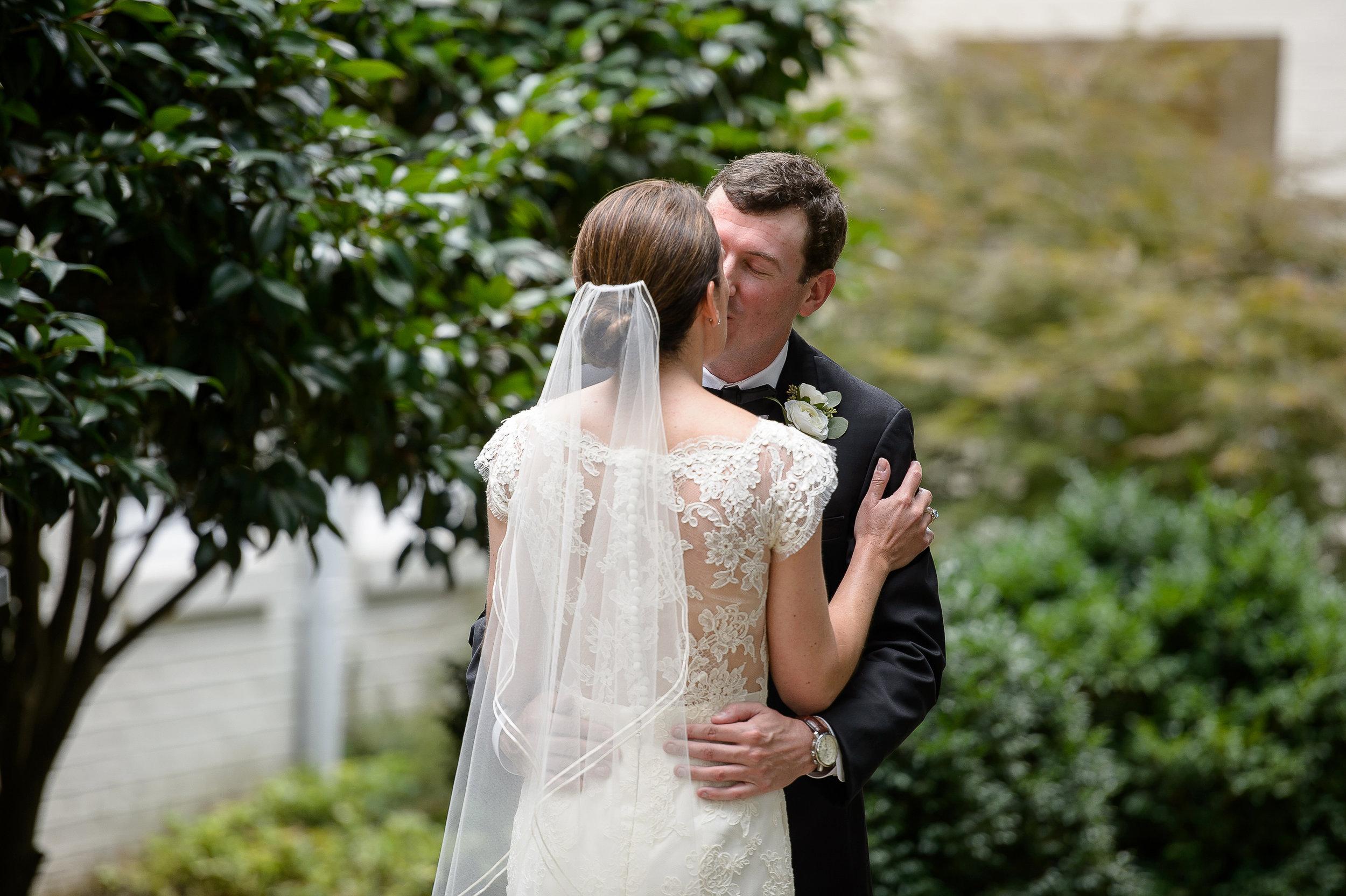 intimate summer Atlanta wedding4.jpg