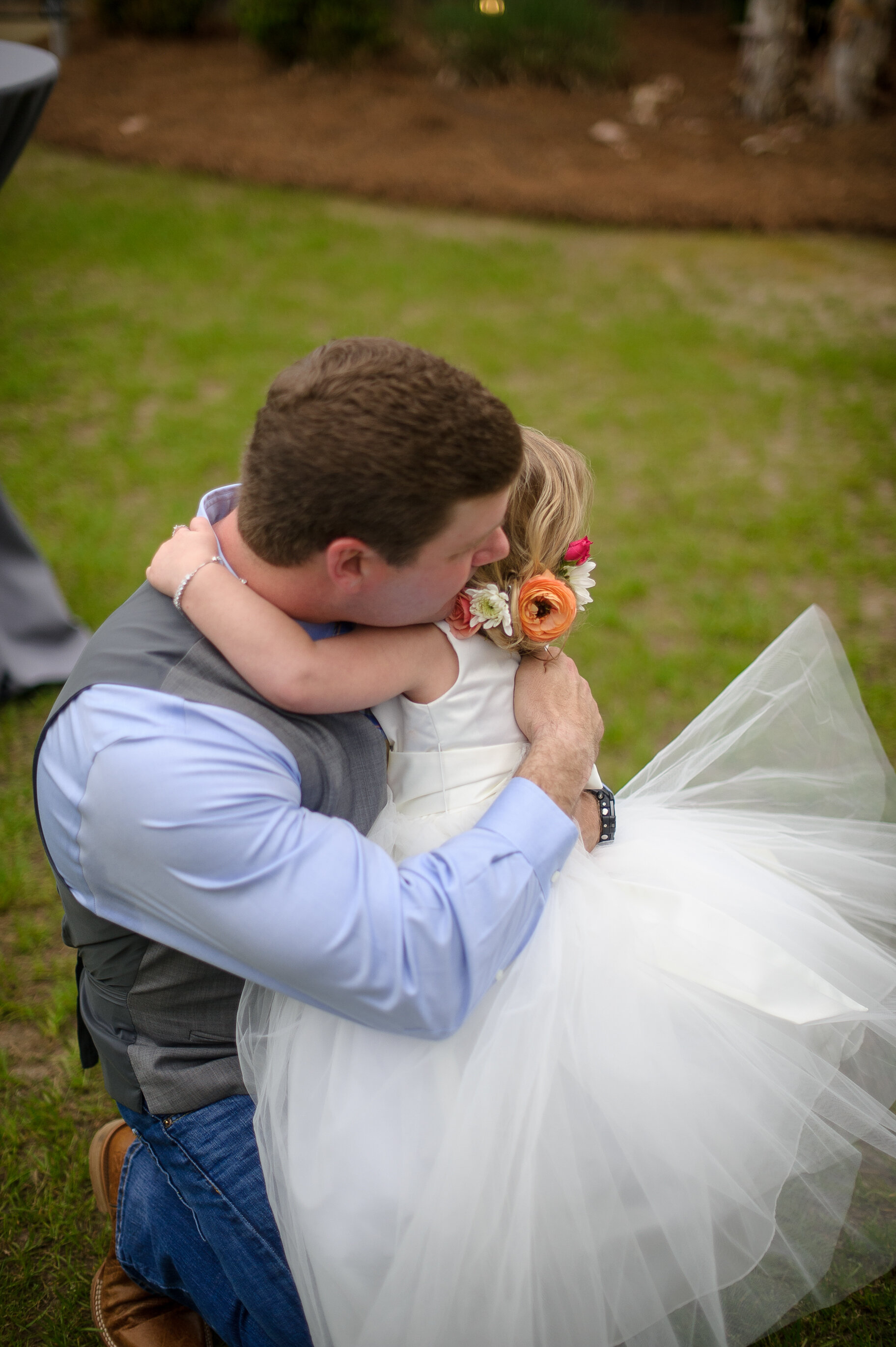 outdoorspringbarnwedding17.jpg