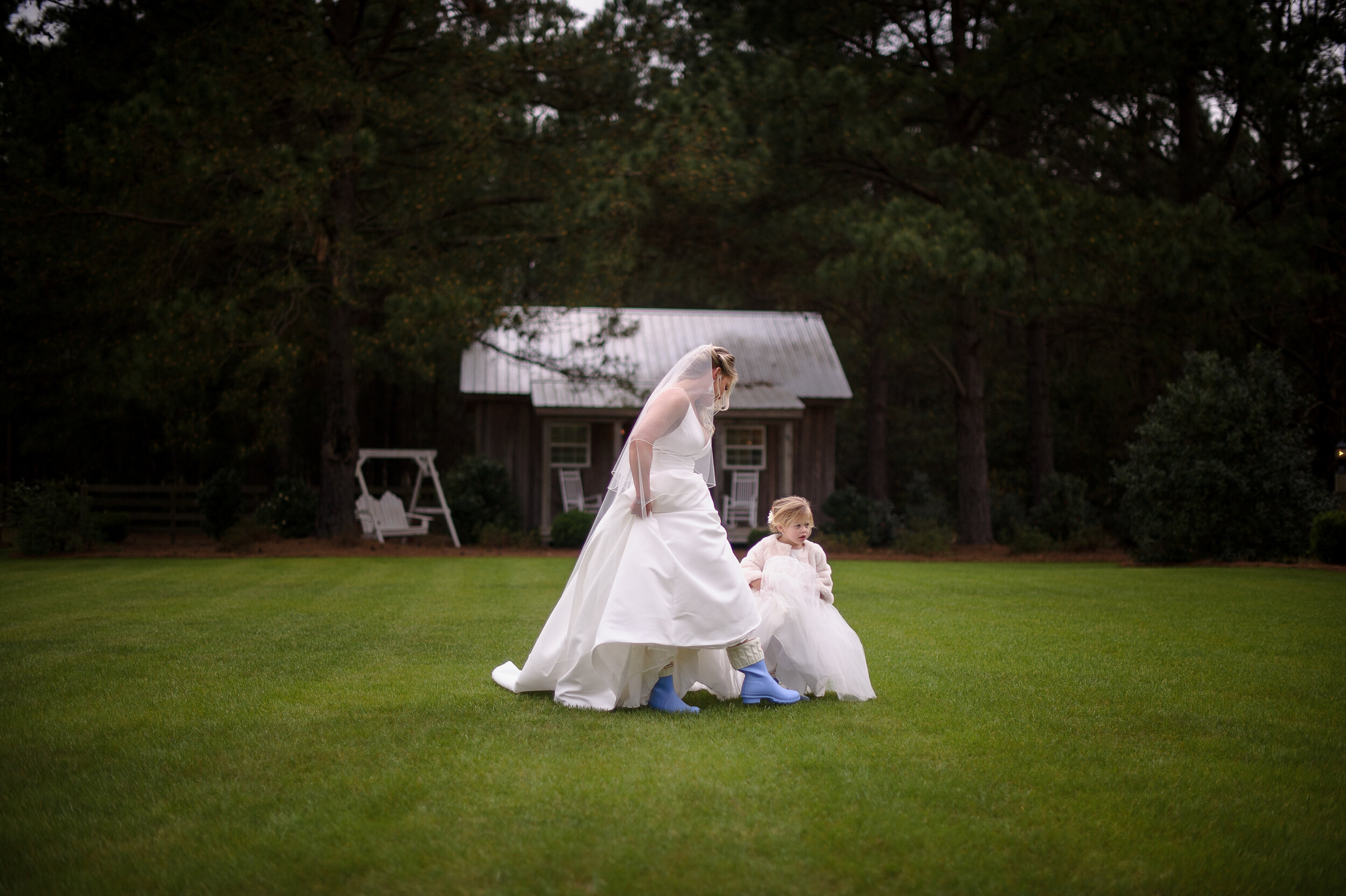 outdoorspringbarnwedding22.jpg