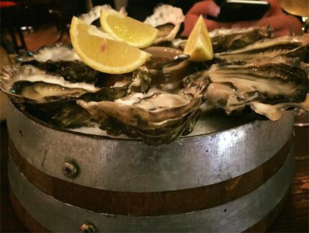 oyster-at-wine-bar-edinburgh.jpg
